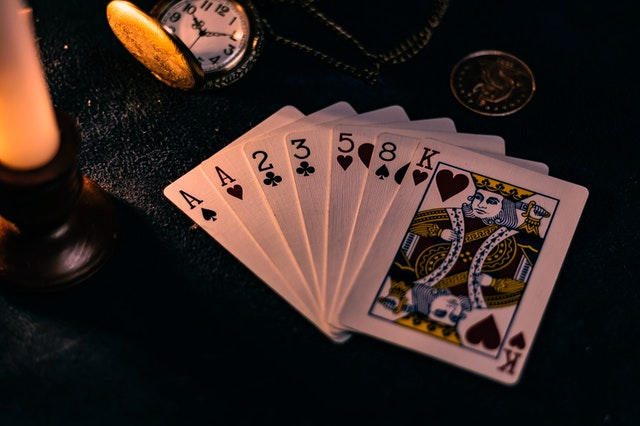 How online slots become easy to play with an online casino?