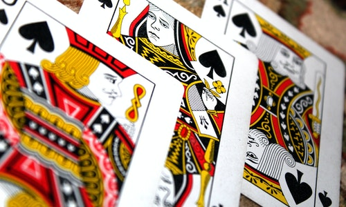 What Are The Unique Advantages Of Online Gambling?