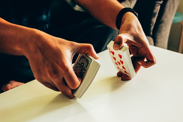 Why should you always choose a reliable platform to play online gambling?