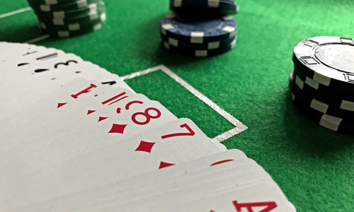 Why Is Online Gambling Widely Accepted? Is It Preferable For The Newbies?